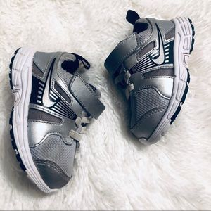 Nike Dart 10 Running Shoes